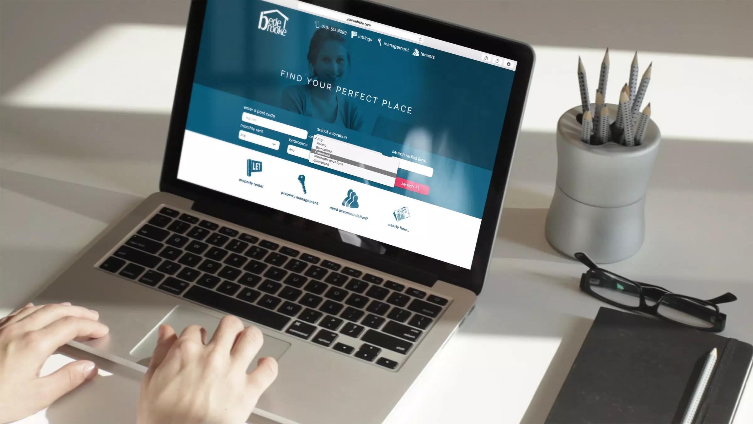 BedeBrooke website displayed on a laptop